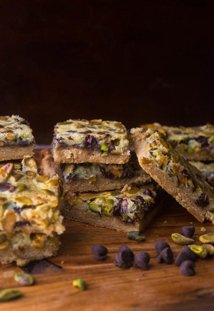 chocolate pistachio cookie bars