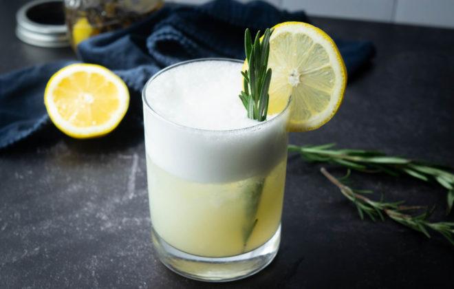 Rosemary Lemon Gin Fiz