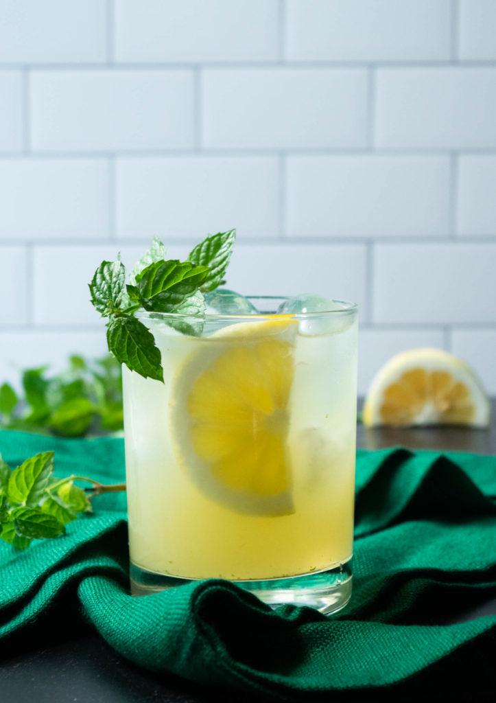 Gin Honey Bee