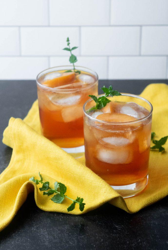 peach vodka and tea