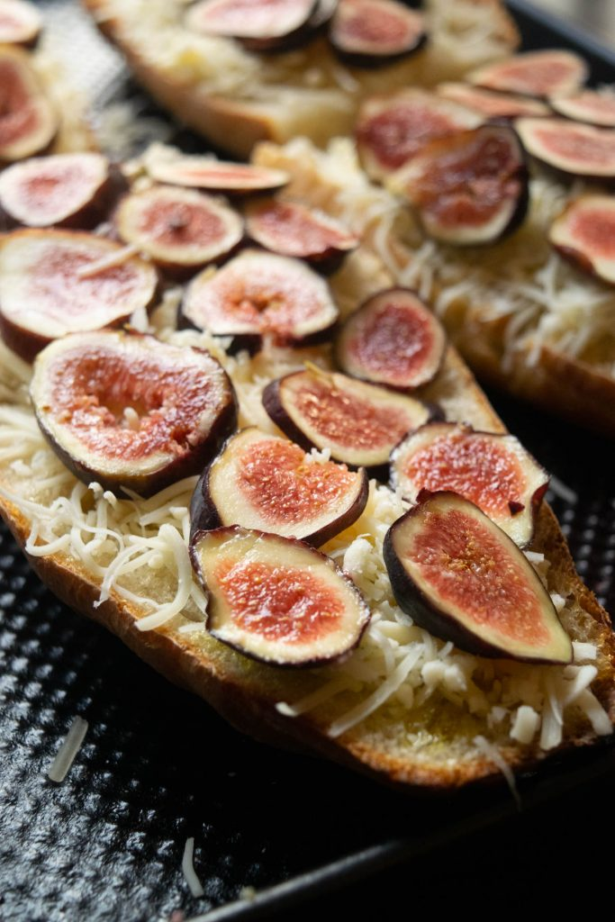 building the fig French bread pizzas
