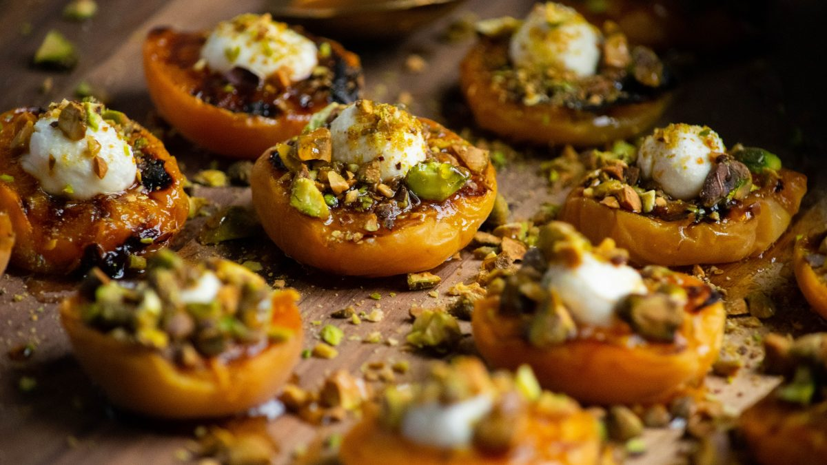 Fresh Apricot Canapes with Goat Cheese and Pistachios